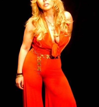 Christya Dayss chanteuse